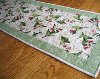 Quilted Table Runner in a Lady Slipper Pattern