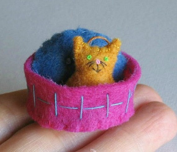 Orange Cat miniature felt plush with stiffened felt basket and pillow play set