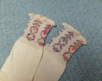 Vintage toddler baby socks, cream, darling pattern