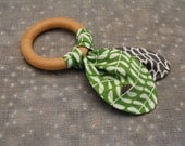 Little Birdies Mod Garden - Organic Baby Teether - Natural Wooden Ring - Organic Fabric - Eco-friendly Wood Toy