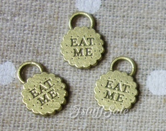 Alice in Wonderland theme double-sided EAT ME cookie charms  - 5 pcs  Antique bronze