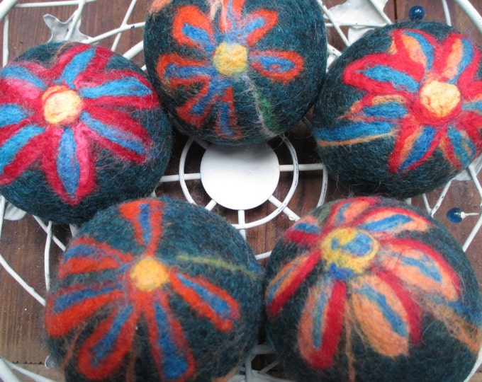 Fun Flowered Felted Balls
