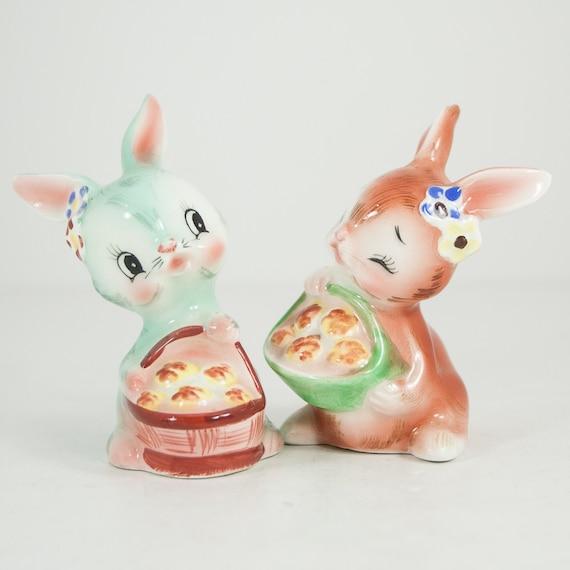 Vintage Cute Bunny Rabbits Salt Pepper Shaker Set Pink And