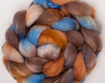 Hand dyed roving, British Shetland, Tussah Silk, hand painted roving, 100g, spin, felt, Fibre Fiber, colour; Sandbanks Sandbanks