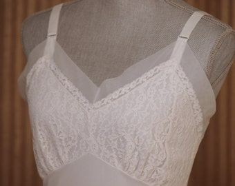 Hollywood - White Full Slip with Lace & Flower Embroidery by Velrose