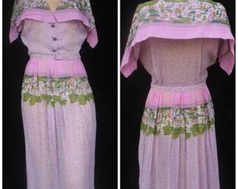 Vintage Cotton 40s 1940s Day Darny Frocks Novelty Print Handkerchief Dress Portrait Collar World War II