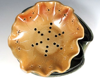 Pottery Berry Bowl Set Pottery Colander Fruit Strainer