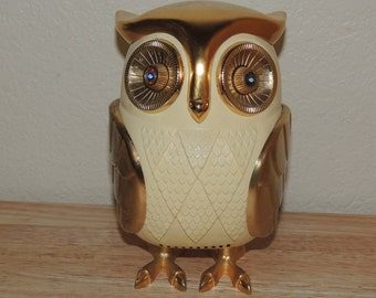 Vtg OWL Transistor Radio Made in Japan for Fred Roberts Company