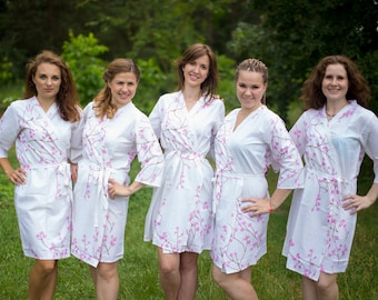 White Cherry Blossom Bridesmaids Robes. Bridesmaids gifts. Getting ready robes. Bridal Party Robes. Floral Robes. Dressing Gowns