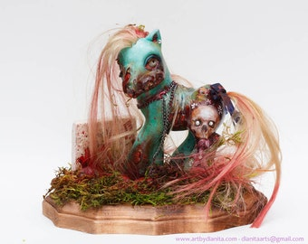 Crazy Lily - Custom My little pony Zombie with base. My Lil Zombie by Dianita - Collector's piece, display only.