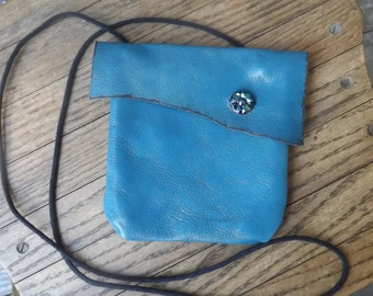 Bare essentials bag Teal Blue Leather keeps your credit cards  I.D. money safe while you are on the go.Vintage buttons