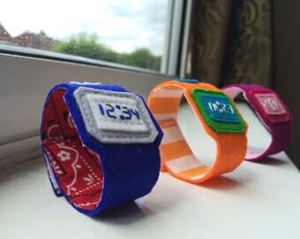 Blue digital-style tickytock for kids