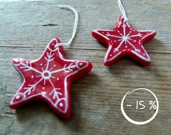 Red stars for Christmas home decor. Painted ornaments in corn starch clay with rustic style - 15% OFF - small ornaments