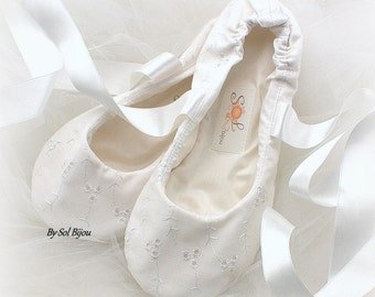 Bridal Ballet Flats in White Cotton, Custom Wedding Flats Shoes