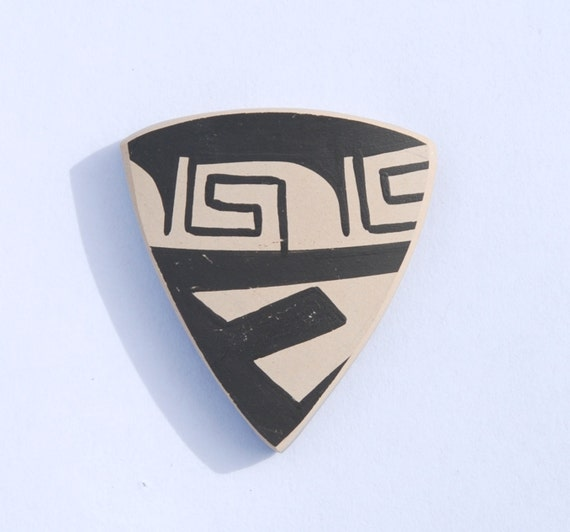Mata Ortiz Pottery Shard Cabochon for Jewelry
