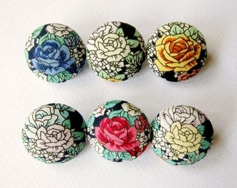 6 Medium Fabric Buttons Set - Classic Roses - Fabric Covered Buttons