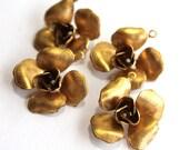 4 Vintage 1960s Flower Pendants // 60s 50s Flower Finding  // 3D // Brass // Craft Jewelry Supply // NOS // Spring
