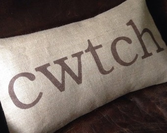 Welsh cwtch cuddle burlap (hessian) pillow cushion cover - brown print
