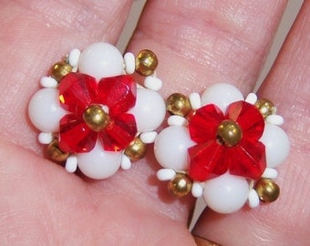 vintage white and red cluster ish screw on screw back earrings 14IN