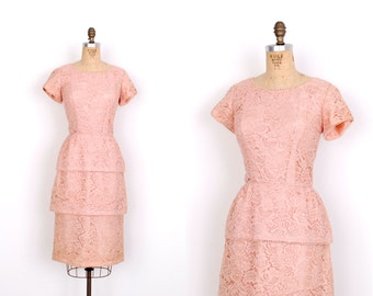 Vintage 1960s Dress / 60s Tiered Lace Wiggle Cocktail Dress / Pink (medium M)
