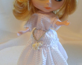NECKLACE or BELT Lucky Ivory Elephant Charm Blythe Barbie Pullip n more
