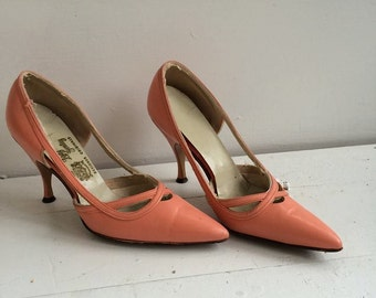 Vintage 60s Shoes Heels Pointy Toe 6 B Lady Gentry Pink Salmon