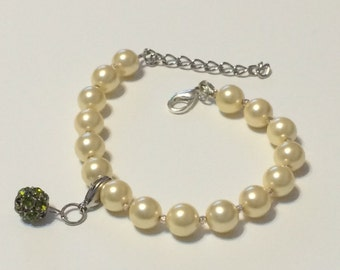 Yellow Mother of Pearl Bracelet wtih Green Bobble
