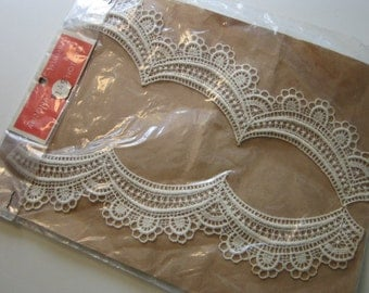 vintage LACE COLLAR - original packaging