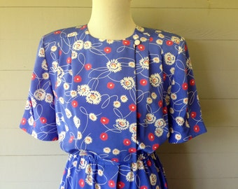 NOW ON SALE-25.00 Was 36.00 1980s Floral Dress Double Breasted Bodice / Button Front Hidden with Plaque / Box Pleats at Upper Back Bodice