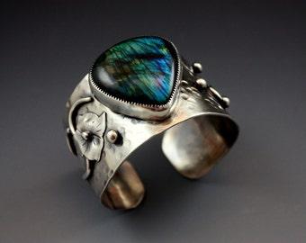 Unique Handmade Silver Jewelry , Silver Cuff Bracelet, Rustic Jewelry, Metalwork, Labradorite,  Silver jewelry, Silver Bracelet
