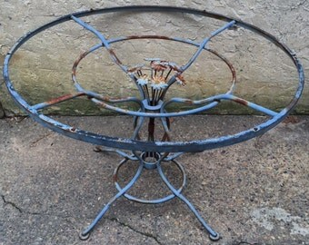 Woodard Daisy Chain  Round Wrought Iron Dining Table / 41.5""