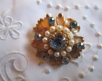 Vintage Flower Brooch with Ice Blue Faceted Rhinestones and Faux Pearls