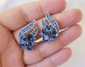 Vintage Signed Trifari Blue Sapphire Rhinestone Clip On Earrings