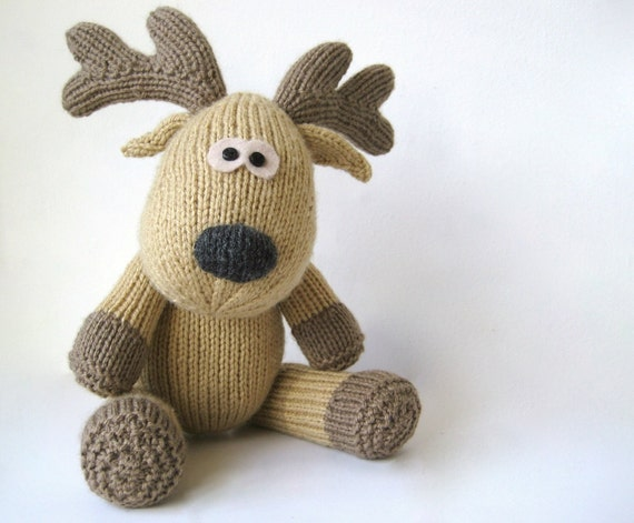 Knitting Pattern For Reindeer Antlers : Rupert Reindeer toy knitting pattern by fluffandfuzz on Etsy