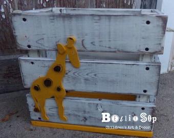 Giraffe Toy/Book Crate