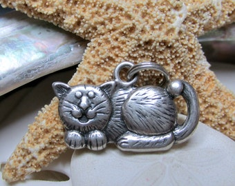 Sterling Silver Vintage Kitty Cat Charm or Pendant 2.59 grams