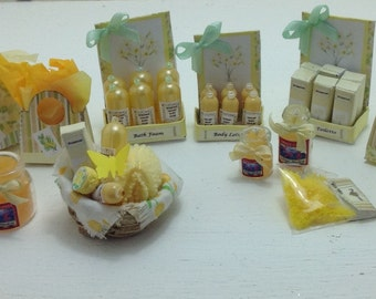 Dolls House Miniatures - 1/12th Primrose Toiletries Collection