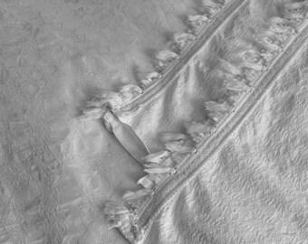 Vintage White Cotton Bedcover. Fine Cotton Bedspread. Double Size