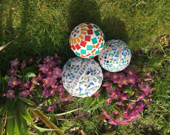 Mosaic garden ball ornament
