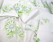VINTAGE SHEET Fat Quarter Blue Daisy Daisies Retro Bed Linen 1960s 1970s