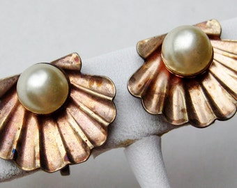 Vintage Gold Vermeil Sterling Silver Faux Pearl Tropical Clam Shell Screwback Earrings