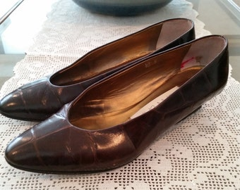 Vintage Joan and David Shoes Brown Faux Alligator Leather Size 8.5 B Made in Italy 1980s