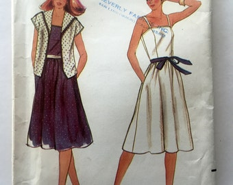 70s Butterick 3735 Sun Dress, Flared with Straps and Pockets and Jacket Size 6 8 10 Bust 30 31 32