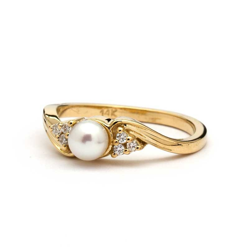 Pearl Wedding Ring: Vintage Pearl Engagement Ring In Yellow Gold / Vintage Pearl