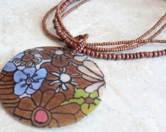 Painted Shell Necklace Large Flower Pendant Brown Beads Tropical Vintage