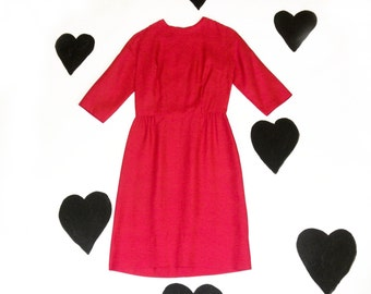 60's Hot Pink Raw Silk Classic Cocktail Dress / 1960's Pin Up Wiggle Dress / Fuchsia / Hourglass / Party / Evening / Knee Length / Small M