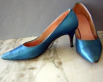 Turquoise Blue Satin High Heels Pumps Shoes - Vintage 60s US womens 8 B / Euro 41 M