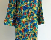 Vintage 1960s PSYCHEDELIC ASIAN Robe M
