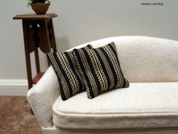 black and gold stripe modern pillows set of two dollhouse. Black Bedroom Furniture Sets. Home Design Ideas
