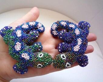 Lizard salamander beaded brooch by Wassupbrothers, ooak, beadwork, bead embroidery, mosaic, colorful, animal lewelry, jewelery, unique
